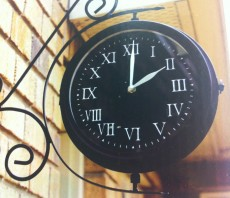 Garden Clock & Thermometer - Medium